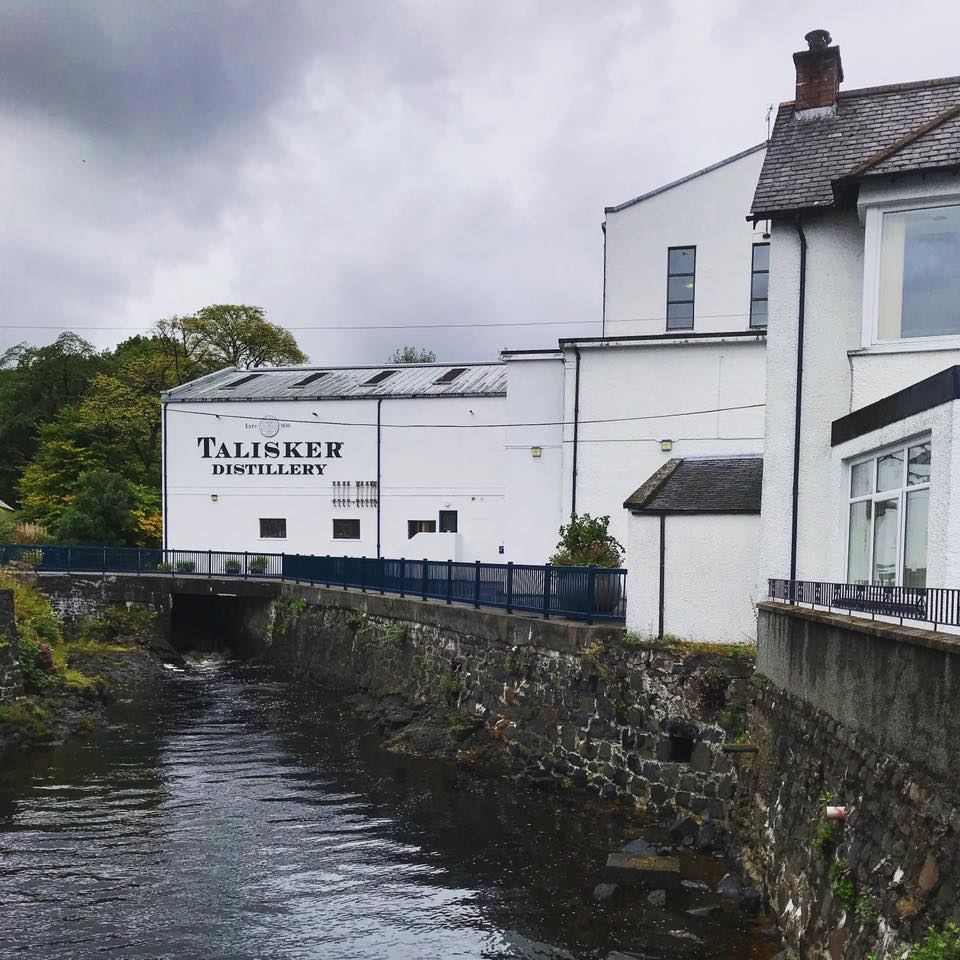 Photo of Talisker Distillery's exterior